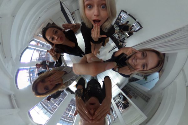 Backstage bij Holland's Next Top Model in 360 graden